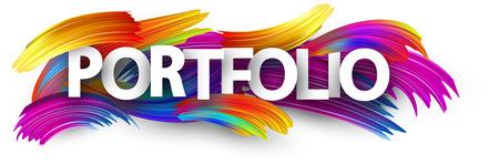 Portfolio-Banner mit Spektrum-Pinselstrichen auf weißem Hintergrund. Bunte Farbverlauf-Pinsel-Design. Vektorpapierillustration. Vektorgrafik