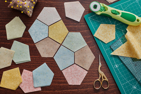 Pentagonal pieces of fabrics for sewing quilt, traditional patchwork, sewing and quilting accessories