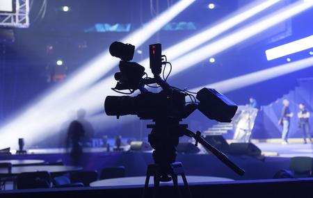 Professionele digitale video camera. toebehoren voor 4k videocamera's. Stockfoto