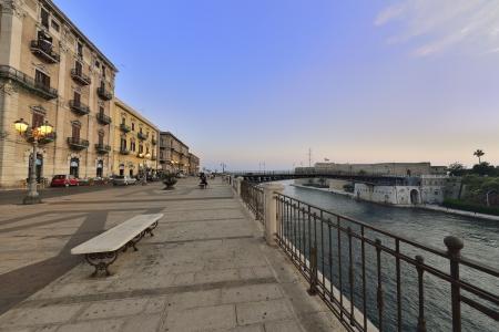 the seas: Taranto - over two seas