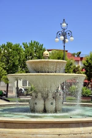 anforas: Grottaglie TA - fuente en la plaza central
