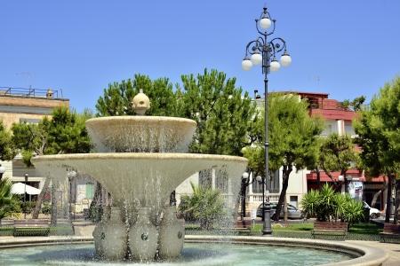 central square: Fontana nella piazza centrale - Grottaglie TA Archivio Fotografico