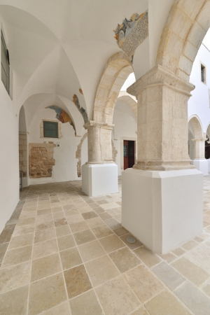 verandas: Martina Franca - interior of a historic building