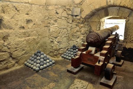 torri: Inside the Castello Aragonese - Taranto