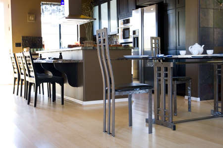 modern: Modern dining room and kitchen