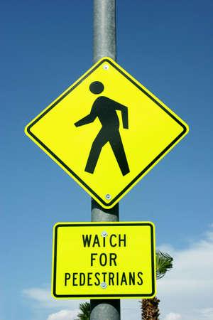 보행자 용 도로 표지판 조심