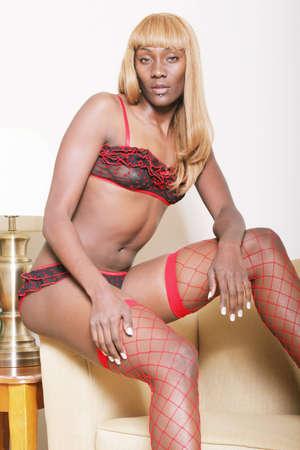 femme noir sexy: Sexy femme noire en lingerie  Banque d'images