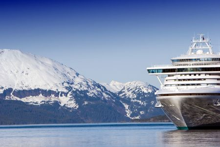 Docked Alaskan cruise ship 版權商用圖片 - 2065134