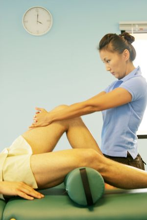 deeptissue: Woman massage therapist at work