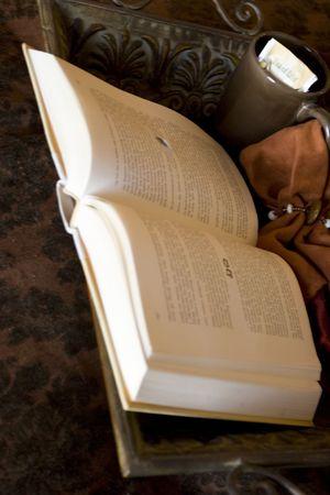 두꺼운 책