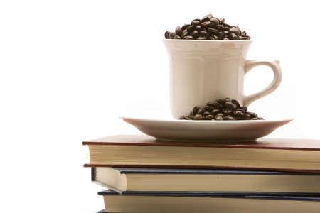 도서 및 커피 한 잔 스택