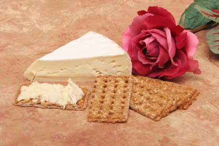 Brie cheese and wheat crackers
