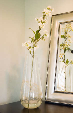 expensive: Flowers in a glass vase