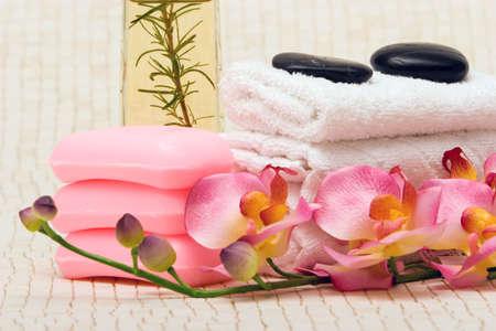 スパ タオル、ピンクの蘭、石鹸 写真素材