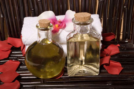 Essential body massage oils in bottles for bodycare Stock Photo - 3736008