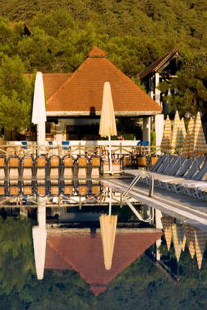 Resort pool looks quiet early in the morning Reklamní fotografie
