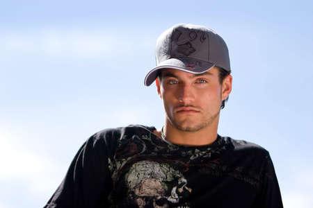 young male model: Joven guapo modelo masculino retrato