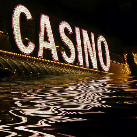 casino roulette: N�on casino signe Banque d'images