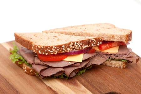 Braten Rindfleisch Sandwich mit alle Befestigungen Standard-Bild - 6176237