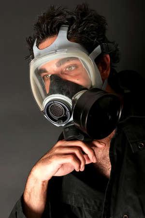 남자 가스 마스크를 쓰고 스톡 콘텐츠