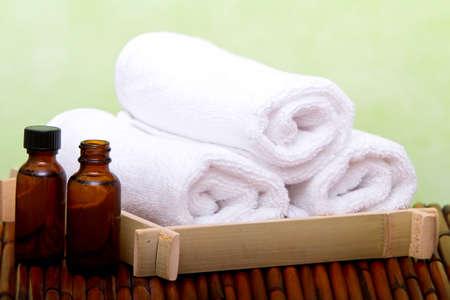olio corpo: Oli essenziali e asciugamani