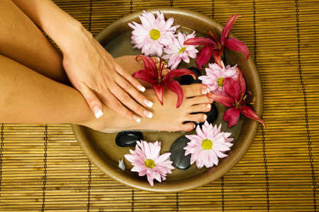 feet washing: Manicure and pedicure