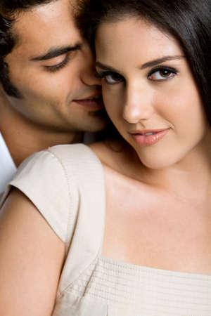 Jonge etnische paar verliefd  Stockfoto