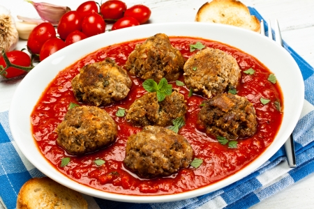 meatballs with tomato souce and mint