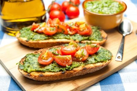 İtalyan mutfağı: lezzetli Akdeniz bruschetta, geleneksel İtalyan mutfağı