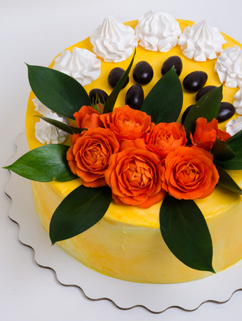 rosas naranjas: Vanilla cream cheese cake with orange roses