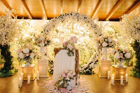 Closeup shot of the wedding decoration elements  at daylight Stockfoto