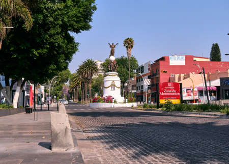 Empty street Avenida Jarez without people and car in Puebla city during the Covid-19 virus, Puebla de Zaragoza, Mexico, in April 9, 2020. 新闻类图片
