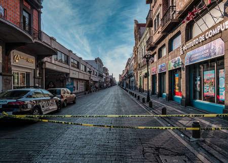 Empty street Avenida de la Reforma in Puebla city closed by police at the time of coronavirus, Puebla de Zaragoza, Mexico, in April 9, 2020. 新闻类图片