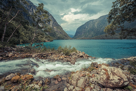 フォルゲフォンナ国立公園、ノルウェー湖 Bondhusvatnet