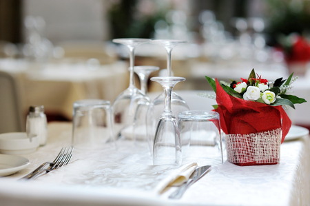 wedding table setting: Table set for an event party or dinner Stock Photo