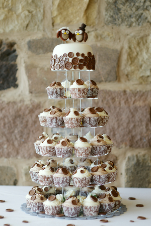 fairy cake: Delicious fancy wedding cake made of cupcakes