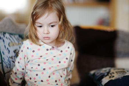 petite fille triste: Sad little girl portrait
