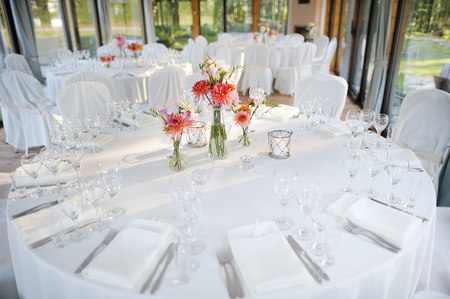 wedding table setting: Table set for an event party or wedding reception