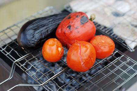 cooked pepper ball: Grilling vegetables on pan