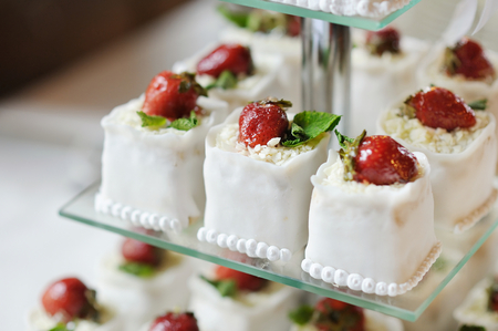 afternoon fancy cake: Delicious fancy wedding cake made of strawberry cupcakes