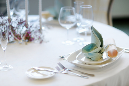 wedding table decor: Table setting for an event party or wedding reception Stock Photo