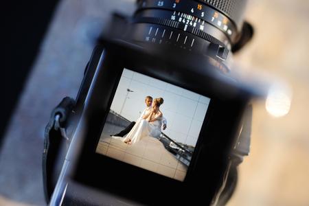 Het opnemen van een bruiloft met een vintage oldschool camera