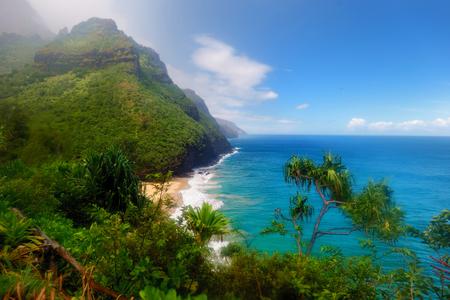 hawaii: Stunning view from Kalalau trail in Kauai, Hawaii
