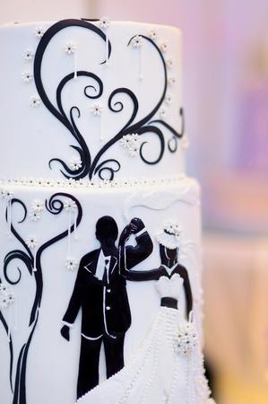 topper: Cute bride and groom wedding cake