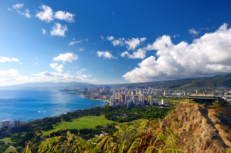 Espectacular vista de la ciudad de Honolulu, Oahu, Hawaii