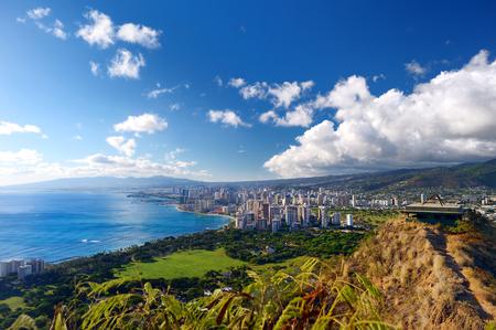 Spektakuläre Aussicht auf Honolulu Stadt, Oahu, Hawaii Standard-Bild - 41574341