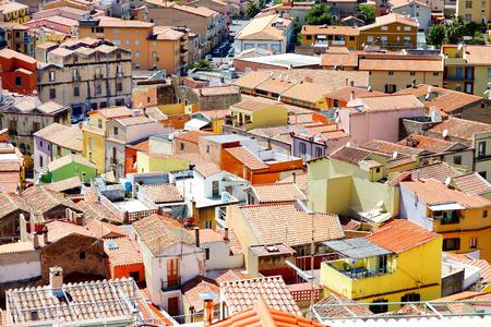 case colorate: Case colorate di citt� Bosa in Sardegna