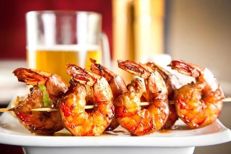 calamar: Camarones a la parrilla con cerveza