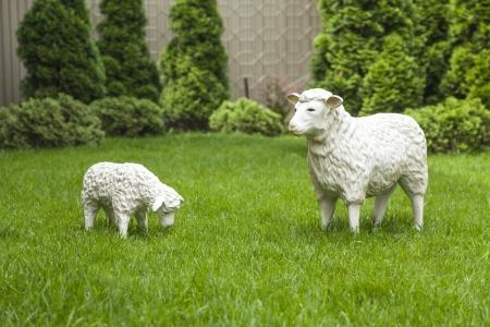 foe: Garden decorative statue  sheep