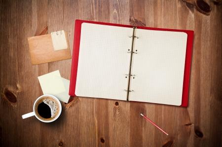 journal intime: Espace de travail avec tasse de caf� Banque d'images